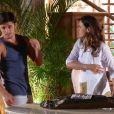 Natália (Daniela Escobar) dá um tapa na cara de Juliano (Bruno Gissoni), depois de ser beijada por ele, em 'Flor do Caribe'