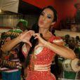 Gracyanne Barbosa é rainha de bateria da X-9 Paulistana