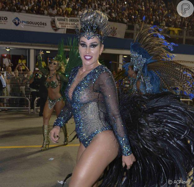 Dani Bolina evita nudez em desfile de Carnaval: 'Prefiro vir mais comportada'