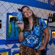 Milena Toscano curte o camarote da Boa, na Sapucaí, em 16 de fevereiro de 2015