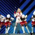 Madonna também passou pelo Brasil com a turnê, usando o corpo para escrever 'periguete' e 'safadinha'