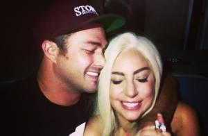 Lady Gaga mostra detalhe de seu anel de noivado: 'Minha parte favorita'