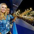 Ronaldo e a nova namorada, Celina Locks, assistiram Carnaval no Rio