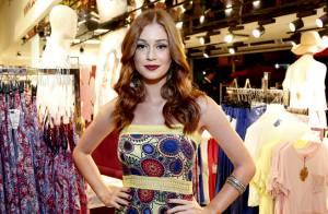 Marina Ruy Barbosa lança sua coleção de roupas em loja popular no Rio