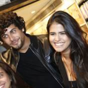 Antonia Morais assume namoro com Jesus Luz em lançamento de DVD do pai