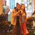 Luana Piovani é fotografa em momento de folga com o marido, Pedro Scooby