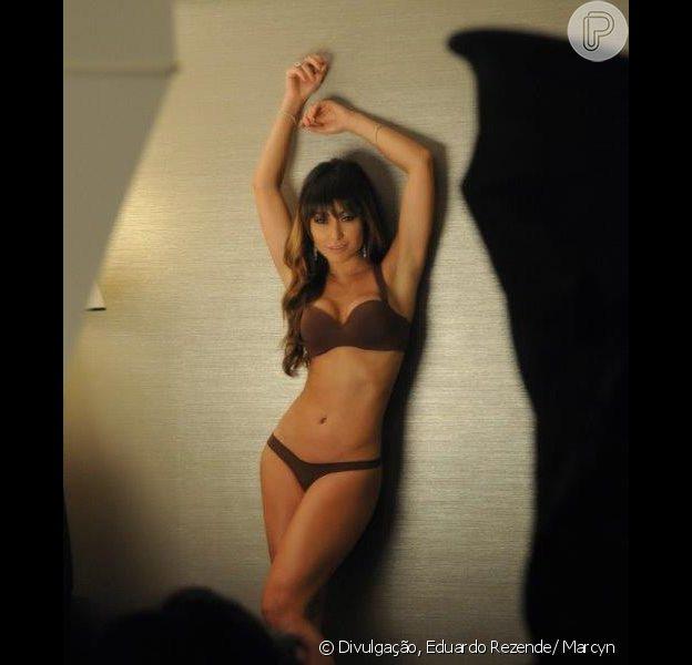 Sabrina Sato posa de lingerie pela primeira vez, em 29 de abril de 2013