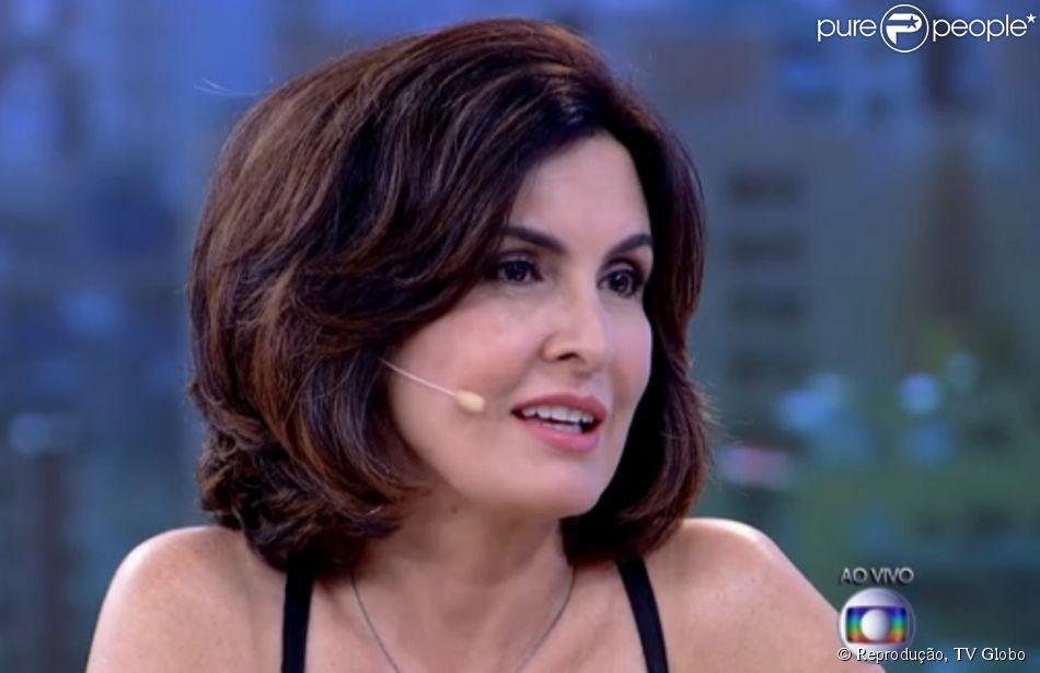 Fátima Bernardes contou no 'Encontro' desta segunda-feira, 16 de março de 2015, o que gostaria ainda de aprender: 'A nadar direito'