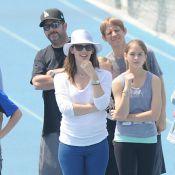 Barriga saliente da atriz Jennifer Garner aponta para uma possível gravidez