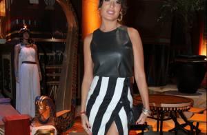 Giselle Itié usa saia com fenda em evento de 'Os Dez Mandamentos'. Veja looks!