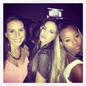 Roberta Rodrigues encontra Bruna Marquezine em show e acalma Neymar