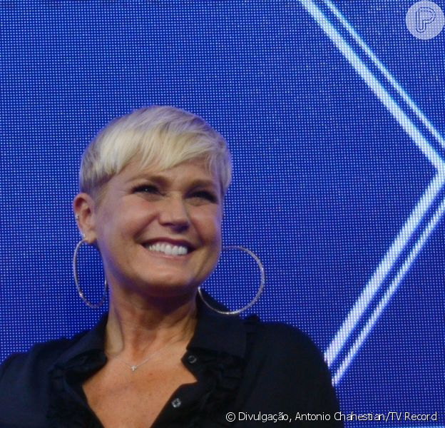 Xuxa contou como prefere apresentar seu programa na Record: 'Semanal, à noite e ao vivo'