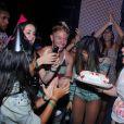 Anitta ganhou dos fãs uma comemoração de aniversário antecipada