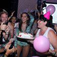 Anitta se divertiu muito com o carinho dos fãs com ela