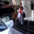 Taís Araújo foi flagrada com Lázaro Ramos saindo de hotel em São Paulo, em 3 de maio de 2013