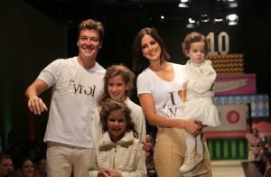 Rodrigo Faro desfila com a mulher, Vera Viel, e filhas em evento de moda
