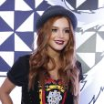 Giovanna Lancellotti vai ao segundo dia do festival Lollapalooza, em São Paulo, com chapéu. A mãe de Giovanna Ewbank foi a responsável pelo estilo da atriz de 'Alto Astral'
