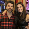 Na TV, Emanuelle forma par romântico com o ator Eriberto Leão