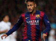 Neymar não descarta jogar na Inglaterra, mas avisa: 'Longo caminho no Barcelona'