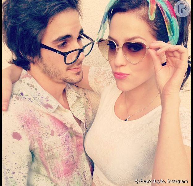 Sophia Abrahão publica foto em estilo retrô ao lado de Fiuk, em 10 de maio de 2013