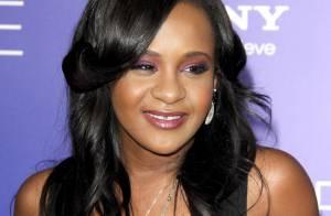 Pai afirma que Bobbi Kristina, filha de Whitney Houston, acordou do coma