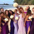 Rihanna fez poses nada convencionais em sessão de fotos de casamento no Havaí