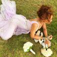 Rihanna foi uma das damas de honra do casamento de sua assistente Jernnifer Rosales com Aaron Davis