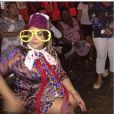 26ee63ba8 Preta Gil se fantasia em chá de lingerie organizado por fãs no RJ ...