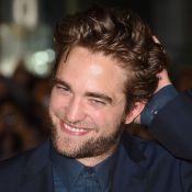 Robert Pattinson faz aniversário de 29 anos planejando casamento com FKA Twigs