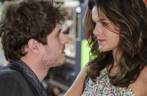 'Paraisópolis': após transar com Benjamin, Mari termina o namoro para protegê-lo