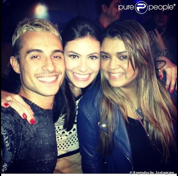 Preta Gil publica foto com o namorado, Thiago Tenório, e com a cunhada Bárbara, no Instagram, em 31 de maio de 2013
