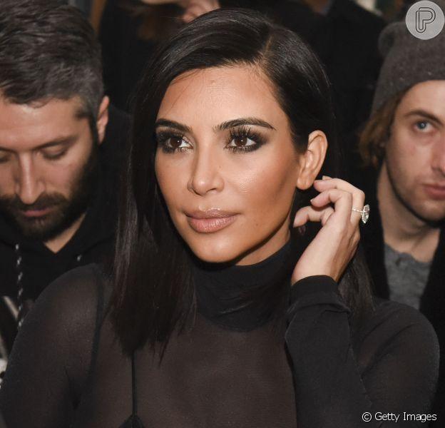 De acordo com a revista 'People', Kim Kardashian passou por três cirurgias no útero antes de fazer a inseminação artificial