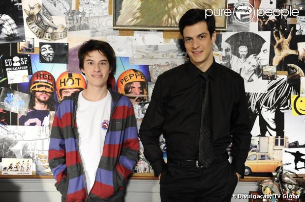 Jonathan (Thalles Cabral) não é filho de Félix (Mateus Solano), e sim de César (Antônio Fagundes), em 'Amor à Vida', segundo informações da colunista Carla Bittencourt nesta quarta-feira, 5 de junho de 2013