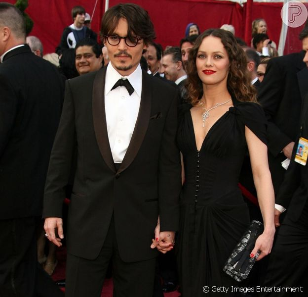 Johnny Depp quebrou um ano de silêncio sobre a separação da atriz francesa Vanessa Paradis, em entrevista para a revista 'Rolling Stone', em sua edição de julho de 2013