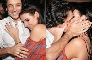 Glenda Kozlowski ganha beijo do marido e carinho de amigos em festa de 41 anos