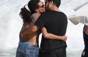 Com top de ginástica, Lucy Ramos curte praia no Rio com o marido, Thiago Luciano