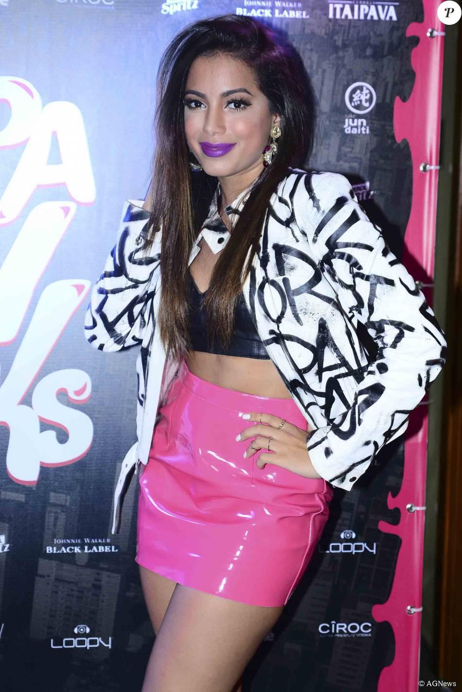 Anitta faz depósito em juízo de R$ 3 milhões após ter conta bloqueada