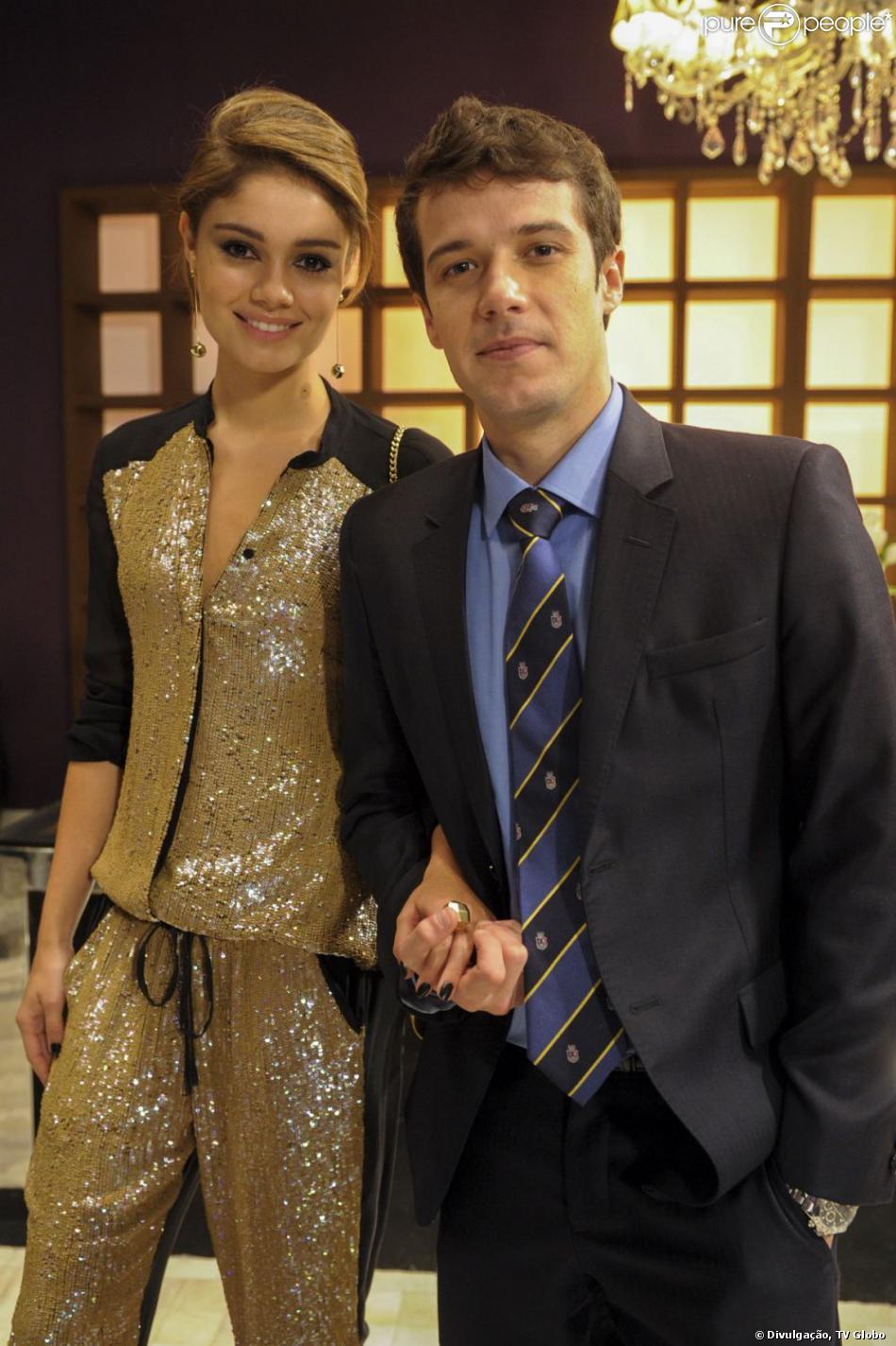 Arrependida, Amora (Sophie Charlotte) pede para reatar noivado com Maurício (Jayme Matarazzo), mas ele diz não, em 'Sangue Bom', em julho de 2013