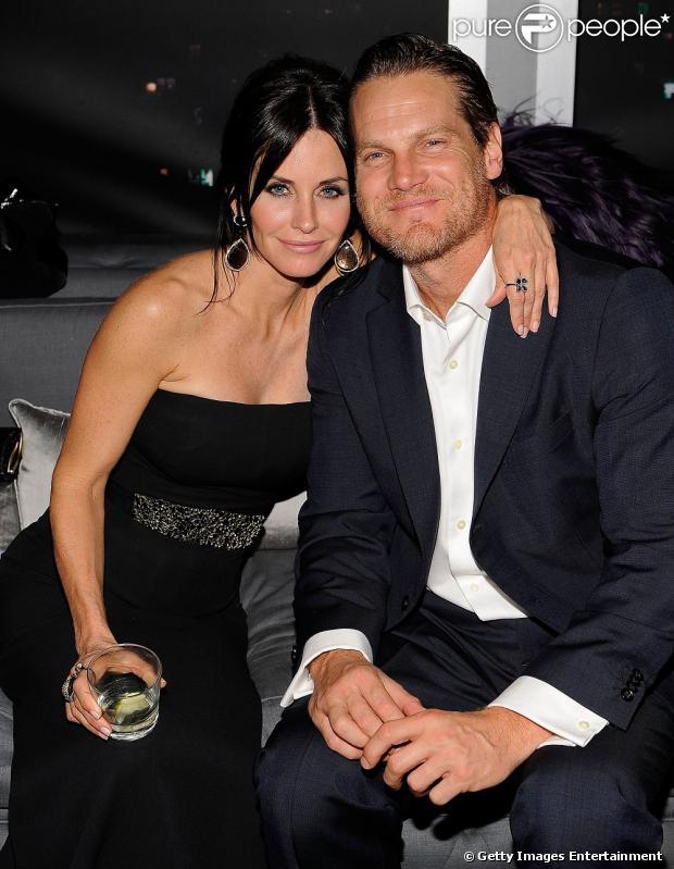 Couteney Cox e Brian Van Holt estão namorando há seis meses, segundo informações da revista 'US Weekly', nesta quinta-feira, 27 de junho de 2013