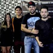 Gabriel Medina e namorada, Tayna Hanada, vão a show de Fernando e Sorocaba