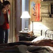 'Sangue Bom': Giane (Isabelle Drummond) dá um beijo em Bento enquanto ele dorme