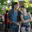 Bento (Marco Pigossi) e Giane (Isabelle Drummond) são sócios na Acácia Amarela, em 'Sangue Bom'