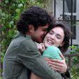Bento (Marco Pigossi) só vê Giane (Isabelle Drummond) como se fosse sua irmã mais nova, em 'Sangue Bom'