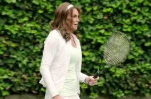 Caitlyn Jenner joga tênis em reality show: 'Agora sei por que precisam de sutiã'