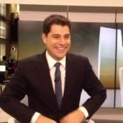Evaristo Costa agradece elogios após aparecer em vídeo arrumando os cabelos