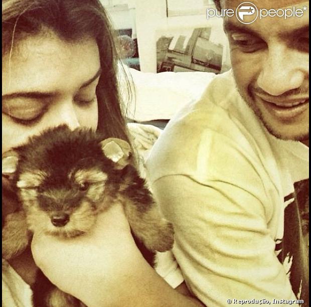 Preta Gil publica foto com o ex-marido, Carlos Henrique Lima, após anunciar término do namoro com o modelo Thiago Tenório, em 5 de julho de 2013
