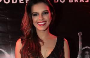 Mariana Rios, solteira, marca presença no show da cantora Anitta em São Paulo