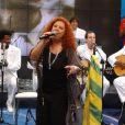 A assessoria de imprensa de Beth Carvalho enviou comunicado sobre o estado de saúde da cantora. 'Ela está bem, feliz e recuperada'