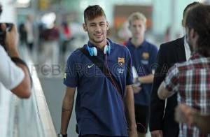 Neymar viaja até a Polônia para estreia antecipada pelo Barcelona nesta terça