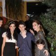 Adriana Esteves com os filhos, Felipe e Vicente, na festa de 15 anos da enteada, Agnes, no dia 20 de outubro de 2012 em casa de festas da Barra da Tijuca, na zona oeste do Rio